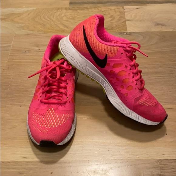 Nike Shoes   Neon Hot Pink Running